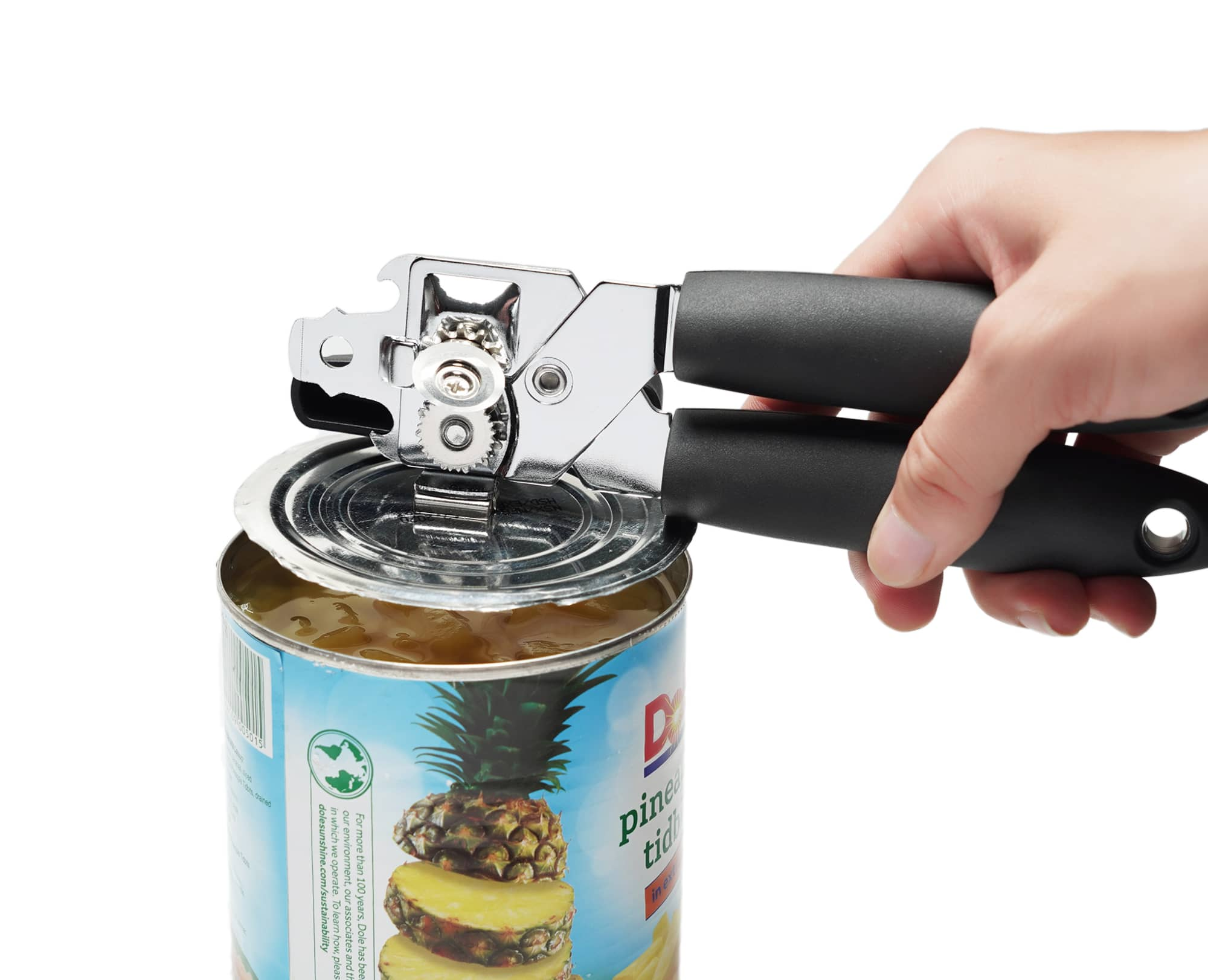 Use Magnet lift the can's lid with Benchusch Magnet Classia Can Opener