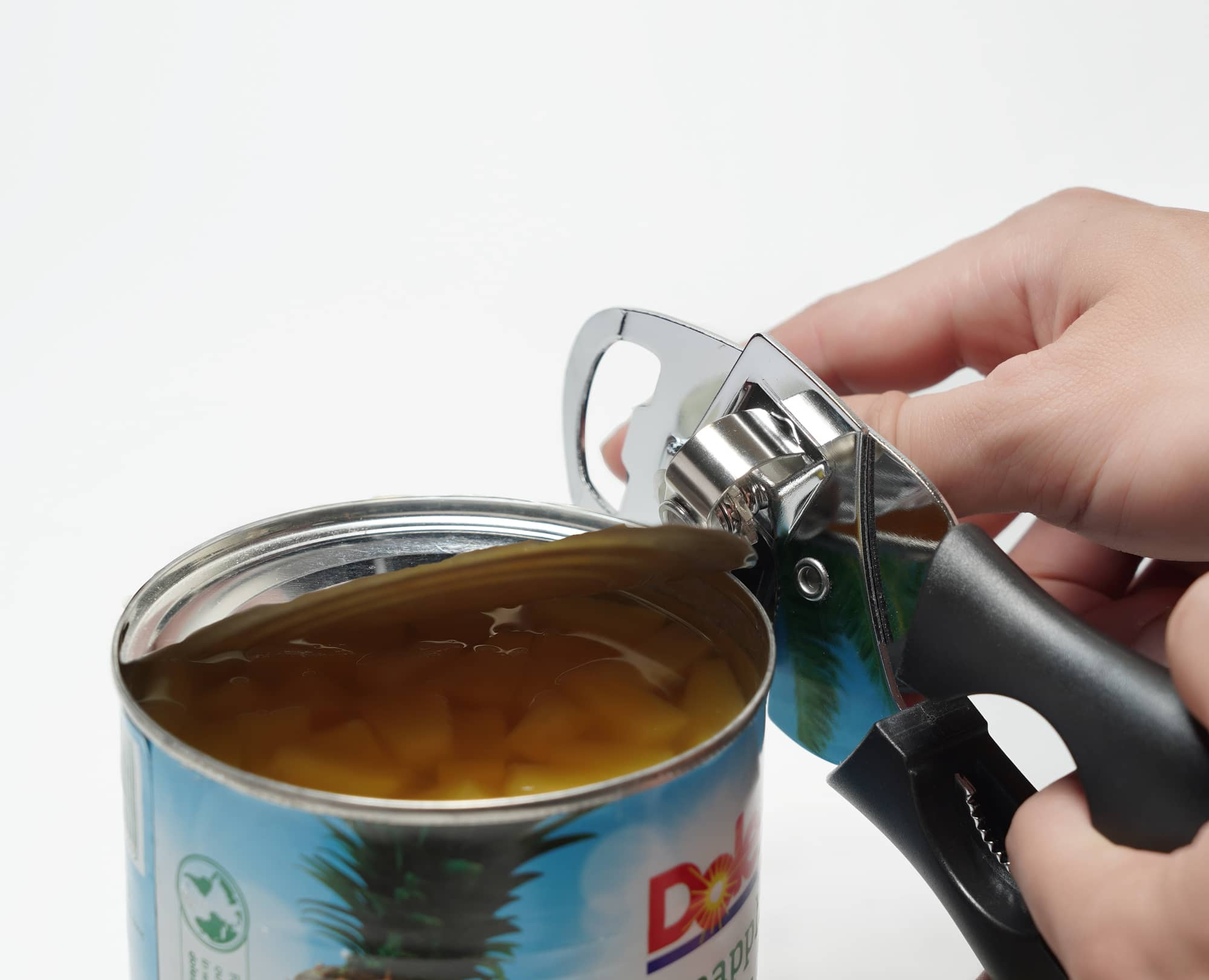 Can opened easily with Benchusch Mordena Can Opener with Easy Turn Knob